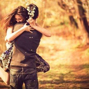 Как понять что девушка влюблена но скрывает свои чувства