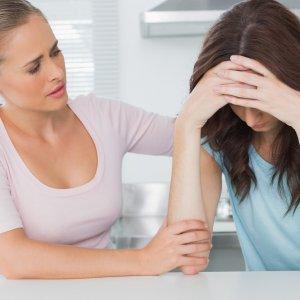 Как поддержать человека в трудную минуту: что сказать, написать, когда ему плохо
